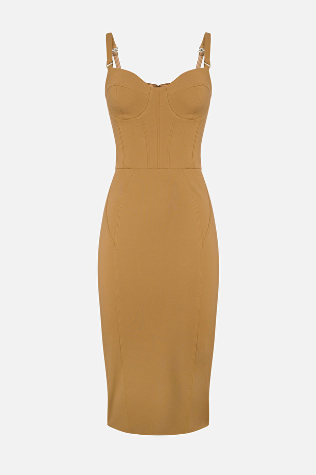 Slim pencil dress with sweetheart neckline