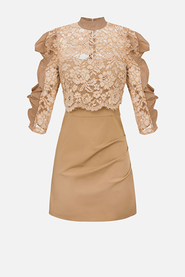Lace dress with flounces