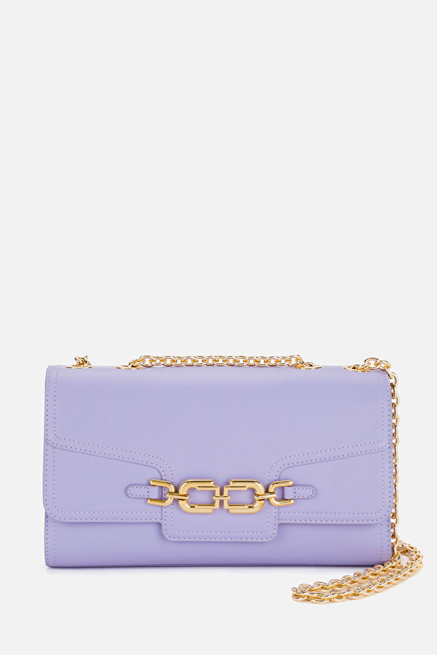 Medium bag with light gold clasp