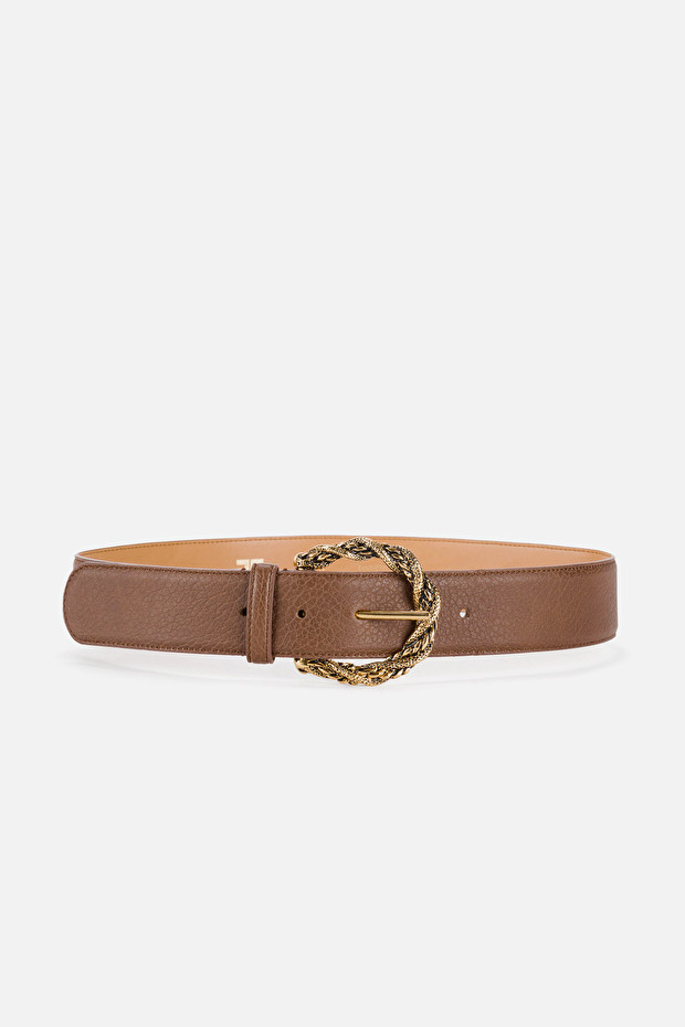 Maxi belt with intertwined buckle