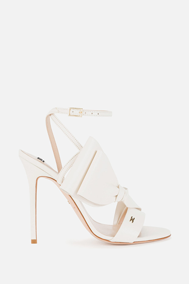 Red Carpet sandals with bow