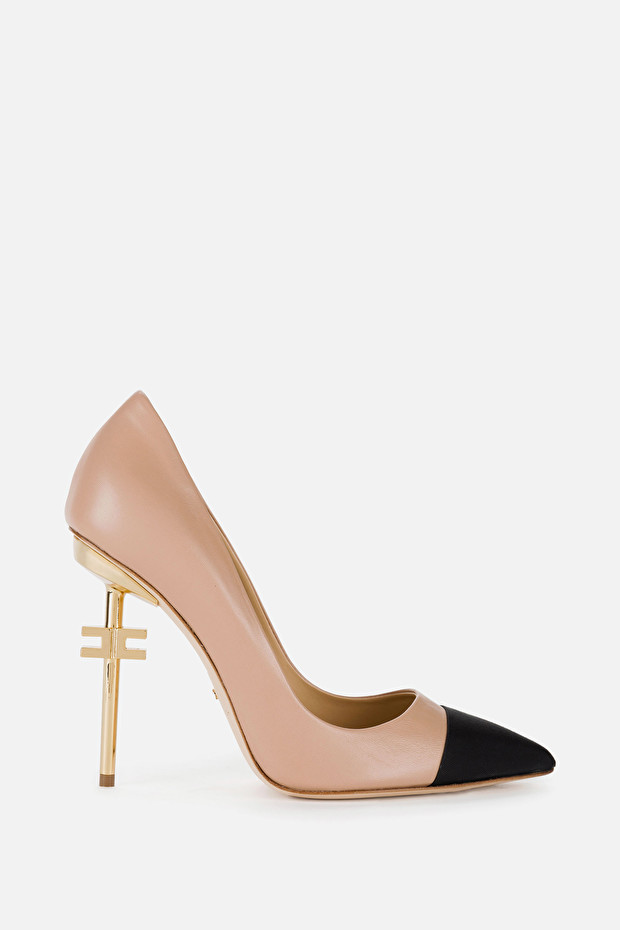 Two-tone sculpted heel pumps with logo