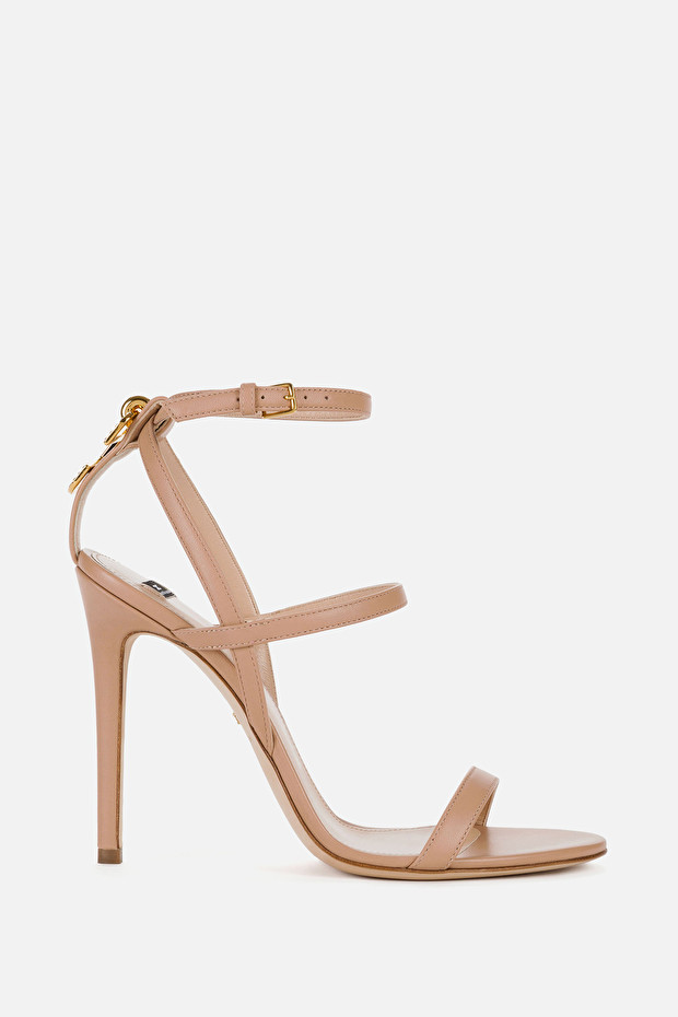 Red Carpet sandals with jewel