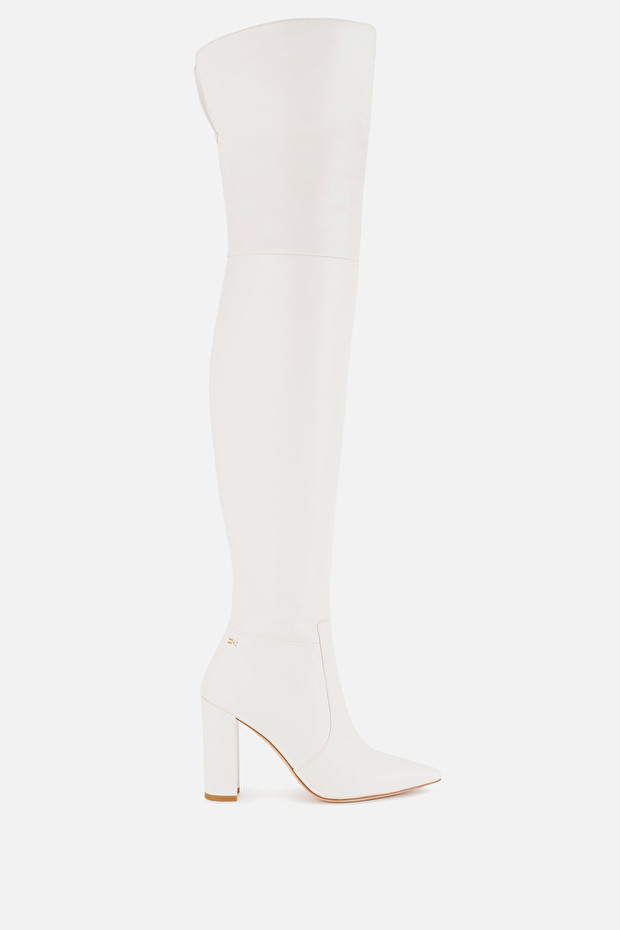 Over-the-knee boots with heel