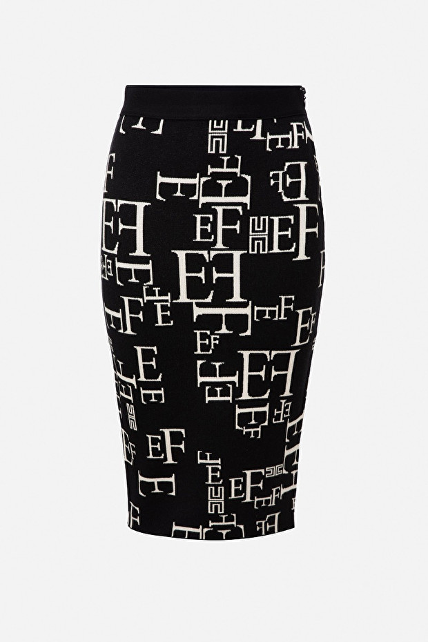 Pencil skirt in lettering jacquard fabric